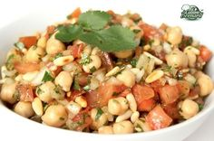 Chickpea Salad _ Lebanese Recipe from Bernard's Kitchen - recettes - Salade Indian Veg Recipes, Lebanese Recipes, Veggie Recipes, Wine Recipes, Cooking Recipes, Healthy Recipes, Indian Food Delivery, Vegetarian Breakfast Recipes, Weird Food