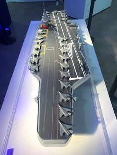 Model Warships, Boba Fett Helmet, Scale Model Ships, United States Navy, Military Weapons, Navy Ships, Modern Warfare, Aircraft Carrier, Royal Navy