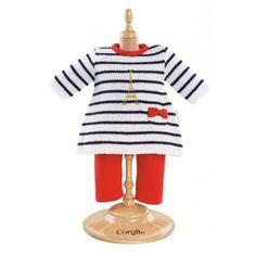 Kledingset Parijs bestaat uit een gebreide jurk die in goud borduurd is met de Eiffeltoren en een rode legging. Pop is klaar om op stap te gaan. Ga je mee? Na het spelen kun je de kleertjes netjes ophangen op het hangertje. Voor poppen van 30cm hoog. http://www.benjaminbengel.com/poppen-accessoires/1101174-kledingset-parijs-30cm-746775224394.html