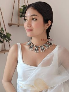 Choker Necklace Online, Beaded Choker Necklace, Necklaces, Beautiful Girl Indian, Beautiful Ladies, Beautiful Roses, Beauty Elegant, Cute Beauty, Dress Indian Style