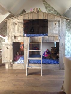 The new home play bunk bed of my little boys. Proud ;-)