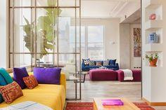 Accents de couleurs dans un loft new-yorkais.