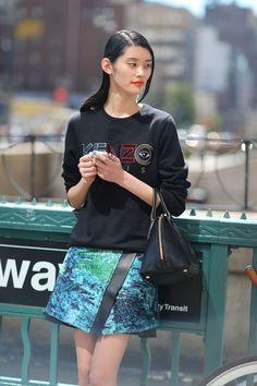 Trend To Try: Holographic Fashion Items - KAWANKU