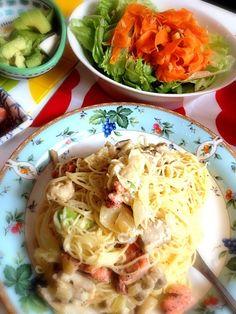 にんじん好き - 2件のもぐもぐ - サーモンクリームパスタ&にんじんサラダ by Tino