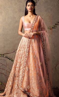 Colour and the bottom of lengha