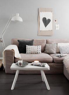 Des tons neutres pour ce salon. http://www.m-habitat.fr/par-pieces/salon-et-salle-a-manger/quelle-s-couleur-s-pour-mon-salon-2666_A #salon #déco