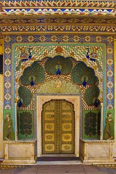Peacock-Gate, City Palace, Jaipur, Rajasthan, India ჱ ܓ ჱ ᴀ ρᴇᴀcᴇғυʟ ρᴀʀᴀᴅısᴇ ჱ ܓ ჱ ✿⊱╮ ♡ ❊ ** Buona giornata ** ❊ ~ ❤✿❤ ♫ ♥ X ღɱɧღ ❤ ~ Mon Feb 2015 Indian Architecture, Beautiful Architecture, Varanasi, City Palace Jaipur, Mysore Palace, Gate City, Goa India, Unique Doors, Door Knockers