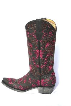 "WOW!  Old Gringo ""Klak"" Sugar Skull Boots! Purple & Black http://www.cowgirlkim.com/wow-old-gringo-klak-sugar-skull-boots-purple-black.html"