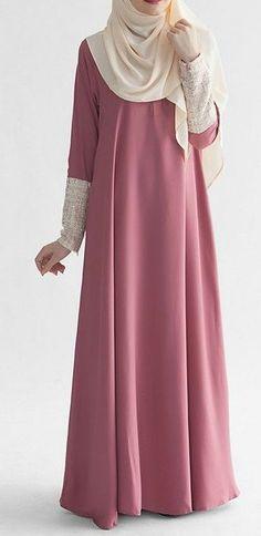 Hijab Designs - Hijab Style - Arabic Hijab Fashion is basically Muslim\'s dress and Non-Muslim and emo girls have starts dressing like nuns. Abaya Fashion, Modest Fashion, Fashion Dresses, Abaya Designs, Abaya Mode, Hijab Stile, Moslem Fashion, Modele Hijab, Muslim Dress