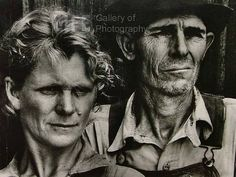 "Portrait of Sharecropper and Wife by Margaret Bourke-White 1937 - reminds of ""American Gothic"" Harlem Renaissance, Documentary Photographers, Famous Photographers, Margaret Bourke White, Iconic Photos, Ansel Adams, Life Magazine, Historical Photos, Black And White Photography"