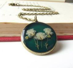 Real flower necklace in viridian £16.00