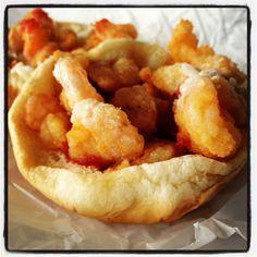 Shrimp Burger (Carolina Po' Boy)...fried shrimp, cole slaw, ketchup, & tarter sauce. Mmmm =] Tarter Sauce, Shrimp Burger, Cole Slaw, Fried Shrimp, Looks Yummy, Ketchup, Burgers, Seafood, Fries