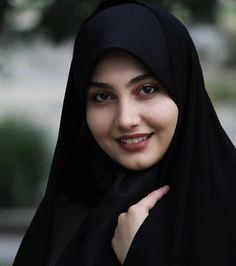 Beautiful Hijab Girl, Beautiful Girl Image, Beautiful Pictures, Hijabi Girl, Girl Hijab, Beautiful Iranian Women, Arabian Beauty Women, Hot Blonde Girls, Arab Girls Hijab
