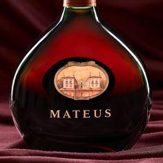 Mateus Beverages, Drinks, Wine Decanter, Gin, Whiskey Bottle, Barware, Champagne, Fotografia, Drinking