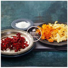 Zeleninové chipsy s rozmarýnem a česnekem http://www.tescorecepty.cz/recepty/detail/171-zeleninove-chipsy-s-rozmarynem-a-cesnekem