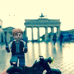 Chris Pratt Has Taken His #LEGO Minifigure On A World Tour