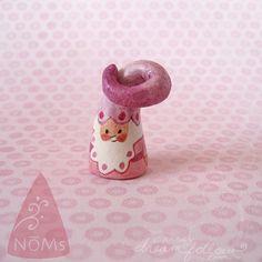 NOM 1268 mini gnome figure