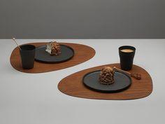 Het Deense LindDNA is een jong, innovatief en enorm duurzaam designbedrijf. Ze zijn bekend geworden door hun stijlvolle placemats en onderzetters. Zowel de Table Mats als de Glass Mats.