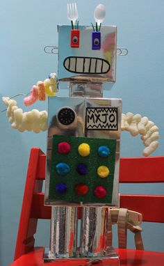 Robot craft for kids - meet MXJO the latest girl-bot in town.  Made using boxes and other bits and bobs :)
