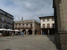 Guimaraes – almost live  Via Imperator Travel | 13.09.2012  First of all, I should highlight that Guimaraes is not an usual Portuguese city. For many, it is THE CITY, because here is the birth place for the Portuguese nation.