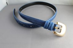 midnight blue snakeskin belt.  Size small, fits 25 inch waist to 29 inch waist by mizzx on Etsy