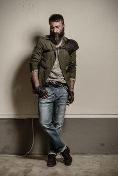 Pantalone in jeans 98% cotone e 2% elastane. http://www.flooly.com/it/pantaloni-jeans-hotel/15971