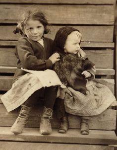 Sisters - 1911