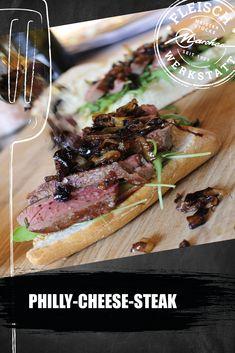 Unsere Rib-Eye Steaks haben ein besonders intensives Aroma, sind handselektiert und auf den Punkt gereift. Wir wollten einen schnellen Party-Imbiss, der trotzdem gut schmeckt. Zu unseren Steaks kombinieren wir Zwiebeln und würzigen Bergkäse. Philly Cheese Steaks, Cheesesteak, Meat, Party, Food, Roasts, Rib Roast, Snack Station, Ribs