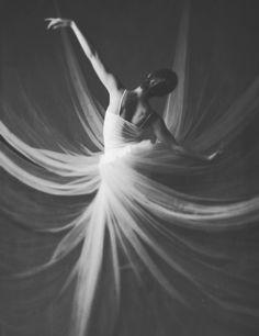 Ballet Photography, Portrait Photography, Eclipse Photography, Creative Photography, Digital Photography, Photography Ideas, Nature Photography, Photoshop, Dance Movement