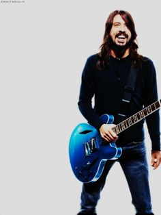 One of the very few people keeping Rock 'n Roll alive. Dave Grohl's Pelham Blue finish on a body with Trini Lopez diamond f-holes is a masterpiece in both function and beauty. Foo Fighters Nirvana, Foo Fighters Dave Grohl, There Goes My Hero, Taylor Hawkins, Rock N Roll, Jimi Hendrix, Mode Style, Music Bands, Rock Music