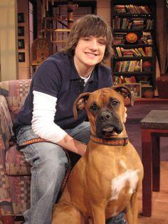 Josh Hutcherson Discusses the Tricks of Working with Four-Legged Co-Stars - Animal Fair Josh Hutcherson, Robin Williams, Celebs, Celebrities, Four Legged, Hunger Games, I Love Him, Movie Stars, Puppies