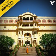 #SignatureHoliday: Originally built as a private residence of the Samode royal family, The 150 year old Samode Palace is now a boutique hotel in 1985 and is now one of India's most romantic establishments. This exquisite Palace features the most beautiful frescos and mirror work. Sitting like a jewel, this large and imposing Palace is located in the medieval village of #Samode.