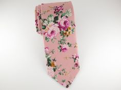 Treat yourself to a floral arrangement with one of our iconic floral ties. We offer the widest and most original selection of floral patterns in the world. Men's Fashion, Fashion Trends, Wedding Groom, Wedding Day, Tie Crafts, Groom Ties, Le Jolie, Crystal Rose, Bloom