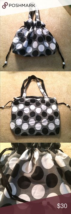 Thirty-One 31 Hobo Cinch Purse Black White Polka Thirty-One 31 Hobo Cinch Purse Bag. Black. White. Grey. Polka Dots. Great condition. See Pics for details. Thirty-One Bags Hobos