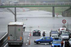 Bloqués sur l'A10 : Les photos chocs des inondations en France [VILLE PAR VILLE] - Linternaute