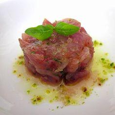 Ricetta per la realizzazione di una perfetta tartare di tonno! Ecco la ricetta: http://www.frescopesce.it/tartare-di-tonno/