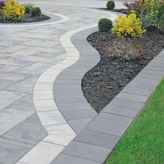Stunning Picture Collection for Paving Ideas & Driveway Ideas driveway paving ideas (cheap paving ideas) Tags: paving ideas, garden paving ideas, driveway paving ideas Stone Driveway, Driveway Design, Driveway Landscaping, Front Driveway Ideas, Modern Driveway, Diy Driveway, Asphalt Driveway, Block Paving Driveway, Landscaping Ideas