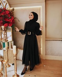 # maybe: The image may contain: 1 person Tesettü Modest Fashion Hijab, Modern Hijab Fashion, Hijab Fashion Inspiration, Islamic Fashion, Abaya Fashion, Muslim Fashion, Fashion Dresses, Hijab Evening Dress, Hijab Dress Party