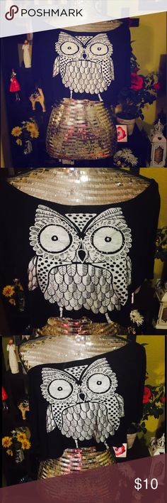 Owl Crop Top Super cute crop top! Perfect to throw on over a colored tank top or wear over a sports bra or by itself. Excellent used condition, super trendy and fun to wear! Tops Crop Tops