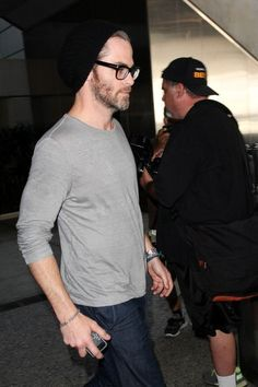 Chris Pine Photos - Chris Pine at LAX - Zimbio