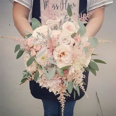 A real treat from @missfleurfloral is waiting for you at meijerroses.com (active link in the bio) #meijerroses #weddinginspiration #weddingideas #weddingflowers #weddingdecor #bride #flowers #flowerstagram #flowerslover #roses