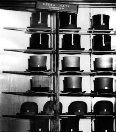 Bill Brandt, Hatter's Window, Bond Street, 1931-1935
