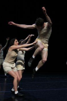 L'enfance de mammame | Choreography by Jean-Claude Gallotta  credit Guy Delahaye.