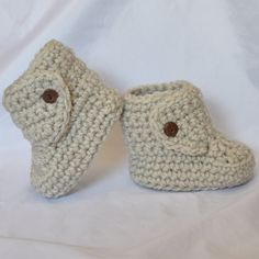 Baby Booties,  Crochet Boots with Button Top size 0 to 6 months in a linen Color with Brown Buttons