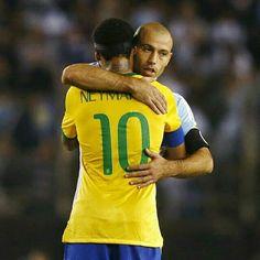 "13/11/2015 #Argentina 1 X 1 #Brasil . Qualifiers 2018 Fifa World Cup #Russia ""Round 3"" . Photo: Yahoo . . . _____________________________________ #Brasil #Brasileira #Brazil #Seleção #soccer #FootBall #seleçãobrasileira #CBF #Follow #FollowMe #Nike #FIFA #2018 #brazilingram #rumoaohexa #ouseserbrasileiro #BrasilFootballNationalTeam #BrasilxArgentina #ArgxBra @neymarjr #10"