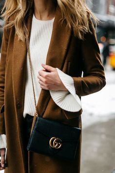 Gucci Marmont bag / street style fashion #desginerbag #luxury #gucci #streetstyle #fashion /  Instagram: @fromluxewithlove