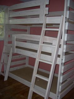 Winter White Triple Bunk Beds... Would be so nice for a guest room or cabin!
