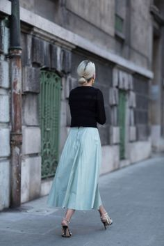 i.pinimg.com 736x 39 ab 6b 39ab6b0b3f24f5f954f32df1750e3db2--tea-length-skirt-leather-midi-skirt.jpg