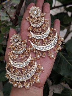 jewelry Indian Jewelery, Kundan Jewelery, traditional earrings, high quality gold finish Kundan earrings lined with fine pearls, celebrity earrings Indian Jewelry Earrings, Indian Jewelry Sets, Fancy Jewellery, Jewelry Design Earrings, Cross Jewelry, Jewelery, Gold Jewelry, Silver Necklaces, Silver Rings