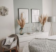 small home remodel Room Ideas Bedroom, Home Decor Bedroom, Living Room Decor, Chic Apartment Decor, Nordic Living Room, Apartment Therapy, Instagram Deco, Aesthetic Room Decor, New Room